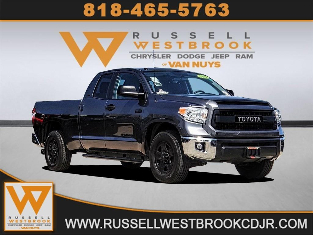 Toyota Tundra 2017 for Sale in Los Angeles, CA