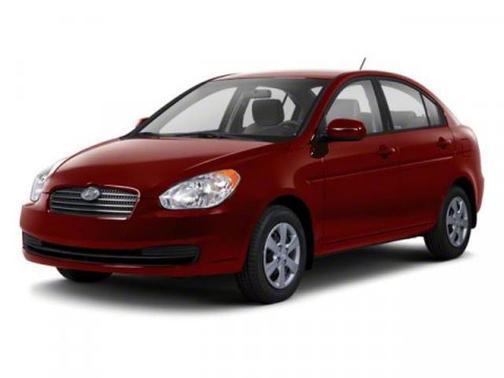 2010 Hyundai Accent GLS image