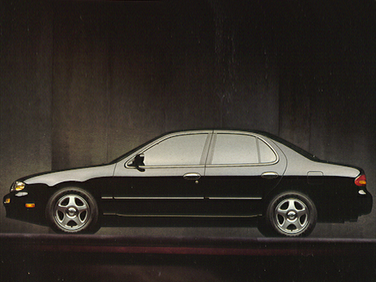 side view of 1993 Altima Nissan