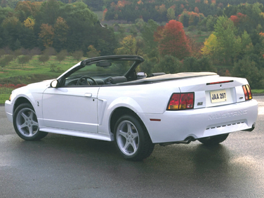 side view of 1999 Mustang Ford
