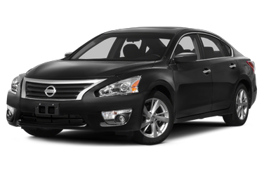 side view of 2013 Altima Nissan