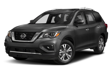 side view of 2017 Pathfinder Nissan
