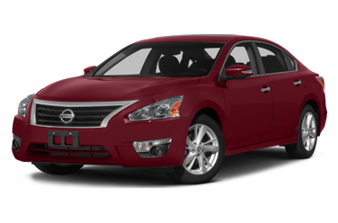 side view of 2015 Altima Nissan