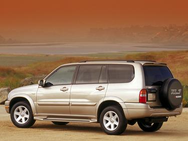 side view of 2002 XL7 Suzuki