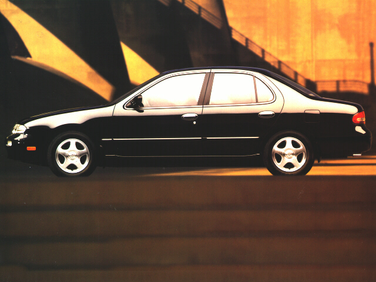 side view of 1996 Altima Nissan