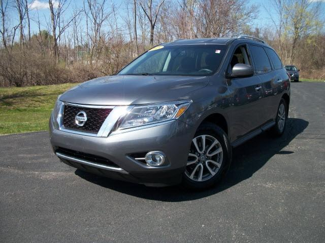 used 2015 Nissan Pathfinder car, priced at $11,999